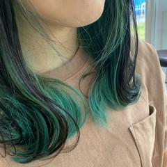 ナチュラル グリーン インナーカラー 大人可愛い ヘアスタイルや髪型の写真・画像