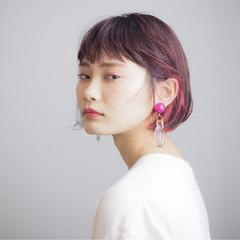 ショートボブ インナーカラー ナチュラル ボブ ヘアスタイルや髪型の写真・画像