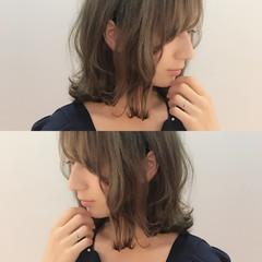 ロブ ガーリー 外ハネ デート ヘアスタイルや髪型の写真・画像