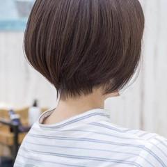 マッシュショート ショートヘア ミニボブ アッシュベージュ ヘアスタイルや髪型の写真・画像