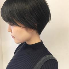 ショート デート ナチュラル アウトドア ヘアスタイルや髪型の写真・画像