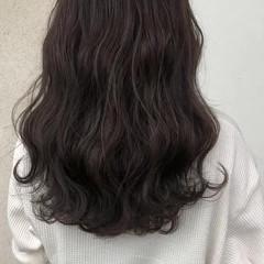 グレージュ ハイライト オフィス ヘアアレンジ ヘアスタイルや髪型の写真・画像