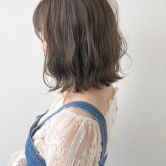 ボブ レイヤーボブ グレージュ 透明感 ヘアスタイルや髪型の写真・画像