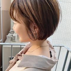 ショートボブ デート オフィス ナチュラル ヘアスタイルや髪型の写真・画像