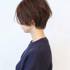 グレーアッシュ ショート ベリーショート ナチュラル ヘアスタイルや髪型の写真・画像