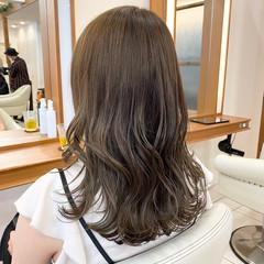 韓国風ヘアー ヨシンモリ アッシュベージュ ロング ヘアスタイルや髪型の写真・画像