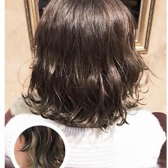外ハネ ボブ ゆるふわ インナーカラー ヘアスタイルや髪型の写真・画像