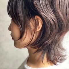 ウルフカット ショート ショートヘア ナチュラル ヘアスタイルや髪型の写真・画像