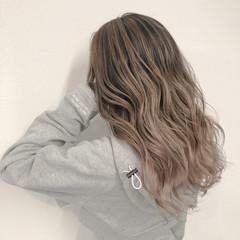 グレージュ アッシュ アッシュベージュ ストリート ヘアスタイルや髪型の写真・画像