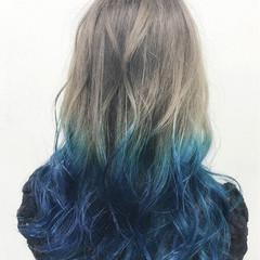 シルバーアッシュ ハイトーン ロング グラデーションカラー ヘアスタイルや髪型の写真・画像