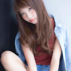 前髪あり 大人かわいい 外国人風 ストリート ヘアスタイルや髪型の写真・画像