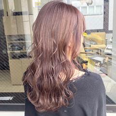 フェミニン ミルクティー セミロング ピンクラベンダー ヘアスタイルや髪型の写真・画像