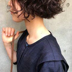パーマ ボブ ヘアアレンジ モード ヘアスタイルや髪型の写真・画像