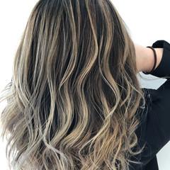 外国人風カラー コントラストハイライト グラデーションカラー ブリーチ必須 ヘアスタイルや髪型の写真・画像
