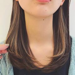 インナーカラー デザインカラー ヌーディベージュ 透明感カラー ヘアスタイルや髪型の写真・画像