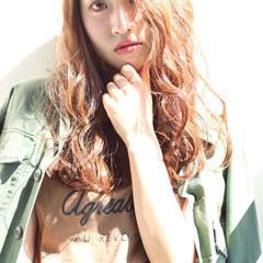 外国人風 ロング ウェーブ 波ウェーブ ヘアスタイルや髪型の写真・画像
