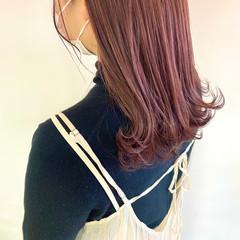ベリーピンク ヘアアレンジ ナチュラル ロング ヘアスタイルや髪型の写真・画像