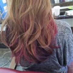 ピンク インナーカラー ロング 渋谷系 ヘアスタイルや髪型の写真・画像