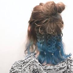 ブルー ハイライト ストリート インナーカラー ヘアスタイルや髪型の写真・画像