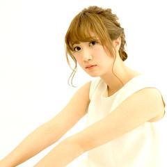 フェミニン ヘアアレンジ 編み込み ショート ヘアスタイルや髪型の写真・画像