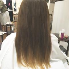 インナーカラー セミロング ナチュラル アッシュ ヘアスタイルや髪型の写真・画像