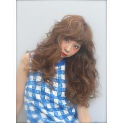 外国人風 フェミニン ロング パーマ ヘアスタイルや髪型の写真・画像