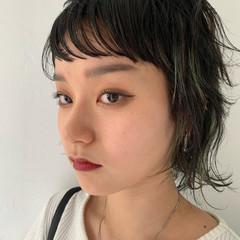 アウトドア ブリーチカラー ショート 黒髪 ヘアスタイルや髪型の写真・画像