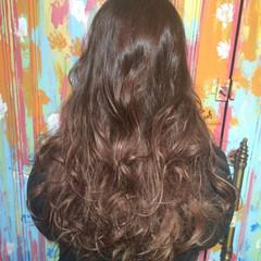 ベージュ レッド グラデーションカラー 外国人風 ヘアスタイルや髪型の写真・画像
