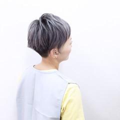 グラデーションカラー ホワイト ハイトーン ショート ヘアスタイルや髪型の写真・画像