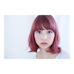 パープル ピンク ストリート ボブ ヘアスタイルや髪型の写真・画像