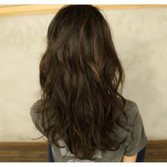 外国人風カラー ハイライト 上品 アッシュ ヘアスタイルや髪型の写真・画像