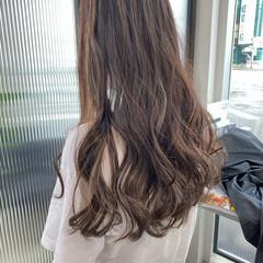 ロング ストリート グレージュ ブリーチカラー ヘアスタイルや髪型の写真・画像
