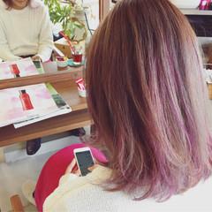 ストリート グラデーションカラー 外国人風 ピンク ヘアスタイルや髪型の写真・画像