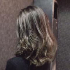 暗髪 外国人風カラー アッシュ ミディアム ヘアスタイルや髪型の写真・画像
