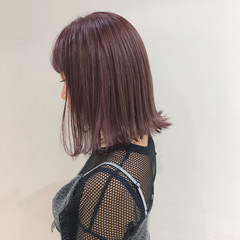 ブリーチ 切りっぱなし ラベンダーアッシュ ミディアム ヘアスタイルや髪型の写真・画像