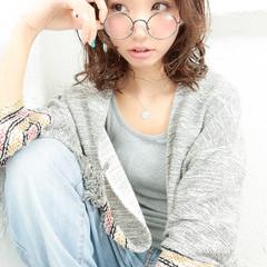 大人かわいい ミディアム パーマ 外国人風 ヘアスタイルや髪型の写真・画像