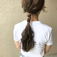アッシュベージュ ロング オリーブカラー オリーブグレージュ ヘアスタイルや髪型の写真・画像