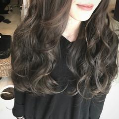ロング アッシュ 巻き髪 外国人風 ヘアスタイルや髪型の写真・画像