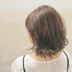 ブラントカット ボブ 透明感 ナチュラル ヘアスタイルや髪型の写真・画像
