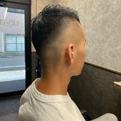 フェードカット メンズパーマ ストリート アップバング ヘアスタイルや髪型の写真・画像