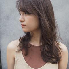 ナチュラル レイヤースタイル 3Dハイライト ロング ヘアスタイルや髪型の写真・画像