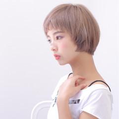 小顔 大人女子 ショート オン眉 ヘアスタイルや髪型の写真・画像