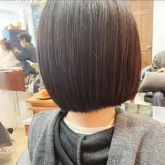 切りっぱなしボブ インナーカラー ミニボブ ボブアレンジ ヘアスタイルや髪型の写真・画像