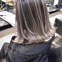外国人風カラー グレージュ ストリート バレイヤージュ ヘアスタイルや髪型の写真・画像