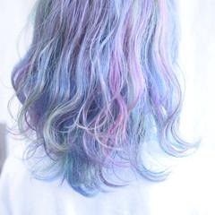 ユニコーンカラー ハイトーンカラー ブリーチカラー ウルフカット ヘアスタイルや髪型の写真・画像