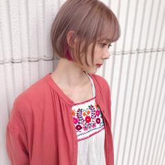 インナーカラー カラーバター ショート ナチュラル ヘアスタイルや髪型の写真・画像