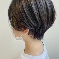 ショートヘア 小顔ショート インナーカラー ショートボブ ヘアスタイルや髪型の写真・画像