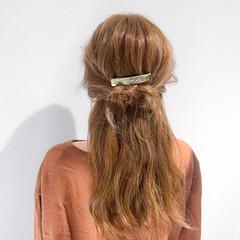 セミロング 簡単ヘアアレンジ アウトドア デート ヘアスタイルや髪型の写真・画像