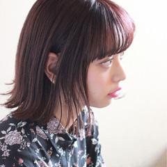 ウェットヘア ピンク ボブ 抜け感 ヘアスタイルや髪型の写真・画像