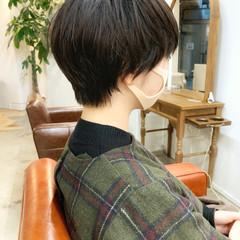 デート オフィス ナチュラル ショート ヘアスタイルや髪型の写真・画像
